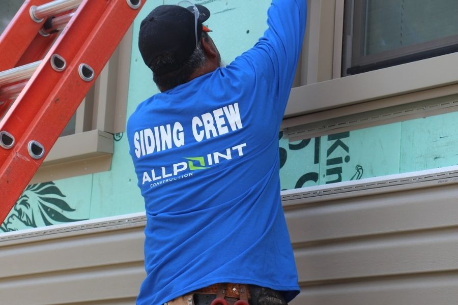 Choose the Right Replacement Siding for Your Downriver Michigan Home